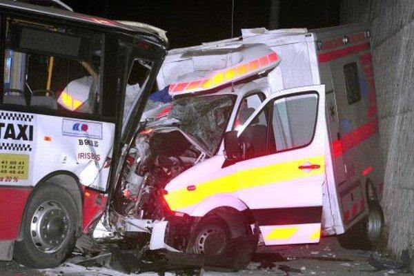 Pri nehodne zahynul uznávaný záchranár, lekár Andrej Faglic, a neskôr v nemocnici aj šofér sanitky Jozef Šárik.