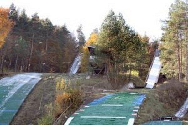 Dráma sa udiala v skokanskom areáli Žlté piesky.