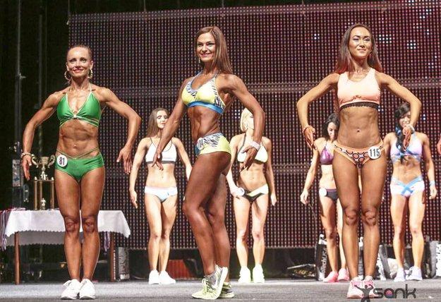 V kategórii šport model do 163 cm triumfovala Nitrianka Iveta Kováčiková (v strede).