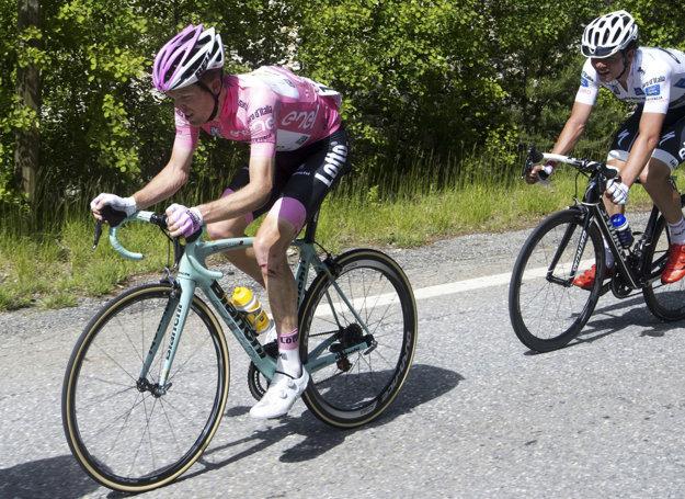 Smoliar Kruijswijk prišiel po páde v 19. etape o ružové tričko.