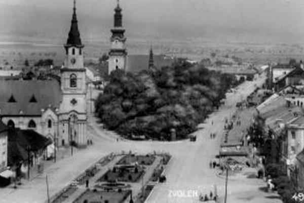 Pohľad na zvolenské námestie v minulosti.