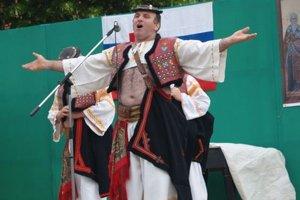 Zaznejú hlasy folkloristov