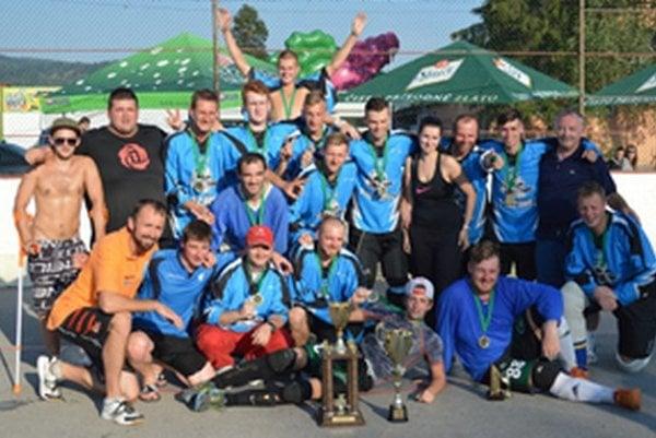 Hbc Čadca Podzávoz vtakmer identickej zostave obhájil prvenstvo na najstaršom hokejbalovom turnaji Kysúc.