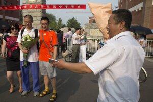 Skúšky gaokao sú pre čínske rodiny veľkou udalosťou.