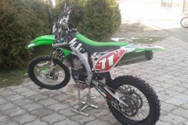 Ukradnutá Kawasaki KXF 450.