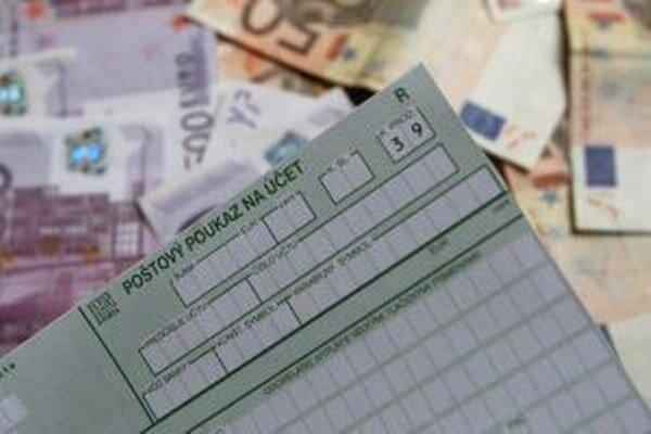 V mestách a obciach na Kysuciach riešia každý rok problémy s neplatičmi daní.