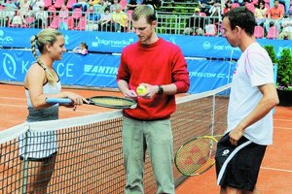 Dominika Cibulková (vľavo) a Dominik Hrbatý