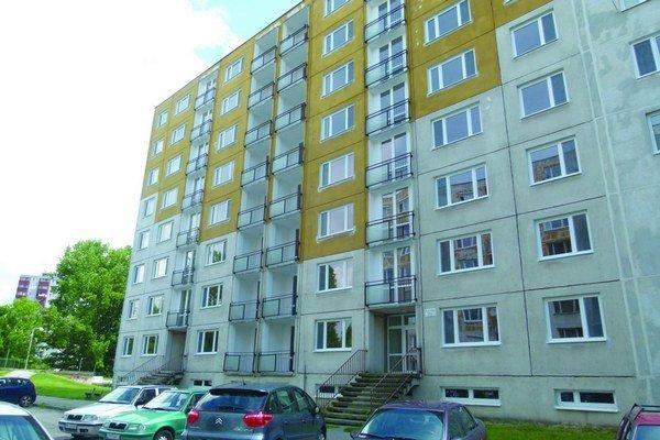 Zo 42 bytov na Ľanovej ulici sa stanú nájomné byty.
