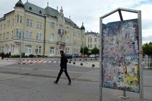 V obciach a mestách sú pripravené výlepné plochy na kampaň.