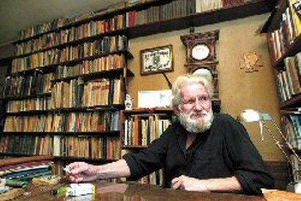 Spisovateľ Ivan Kadlečík zomrel včera v Pukanci.