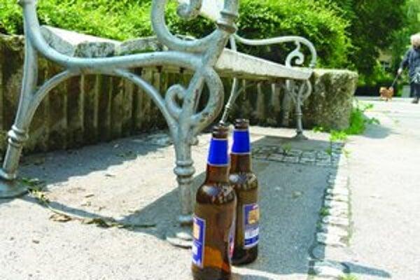 Na protest prokuratúry museli levickí poslanci zrušiť dve VZN. Jedno z nich sa týkalo ochrany pred zneužívaním alkoholických nápojov.