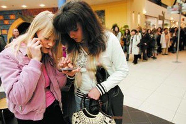 Na Slovensku kredit v telefóne zmizne, ak si naň niekoľko mesiacov nevložíte nové peniaze. Nemci sa toho báť nemusia.