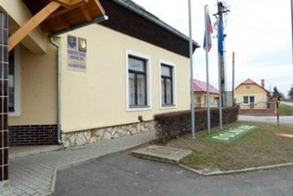 Poradie strán, ktoré sa dostali do parlamentu, bolo v Dolnej Seči takmer totožné s celoslovenským výsledkom volieb.