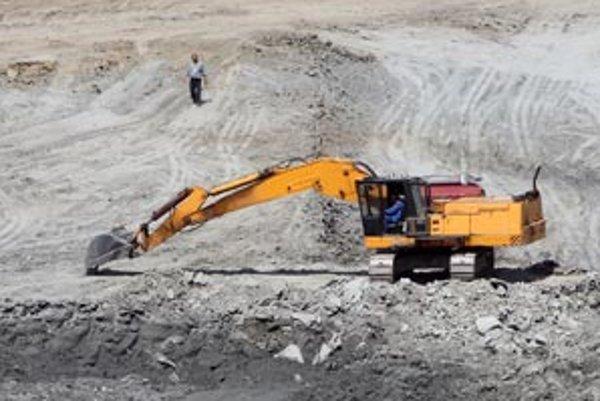 Stavebné práce na stavbe skládky odpadu v Pezinku