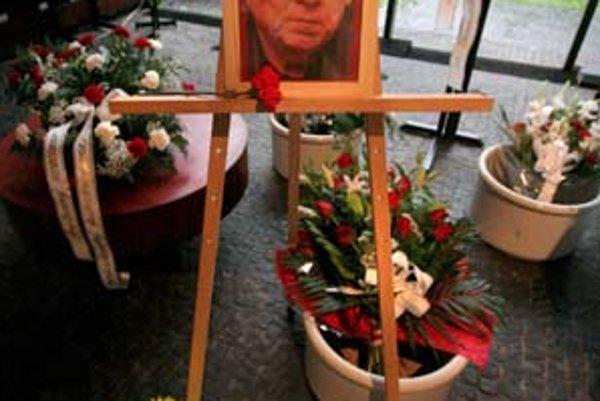 Slovensko smúti za Viliamom Schrojfom.