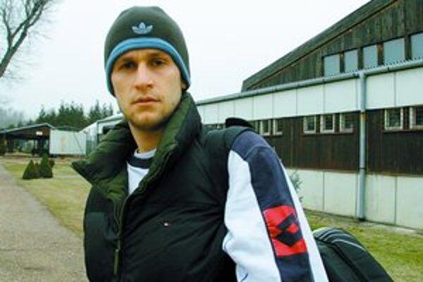 Karol Beck po včerajšom tréningu v hale Slávie STU v Bratislave–Petržalke. Tréner Krošlák vraví, že po dvoch rokoch je v príprave zodpovednejší a ľudia z okolia, že zvážnel.