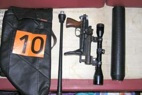 Zbraň prerobená zo škorpióna.
