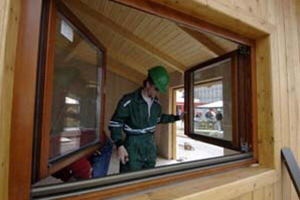 Najviac pesimistickí na najbližšie tri mesiace spomedzi priemyselníkov sú drevárske podniky.