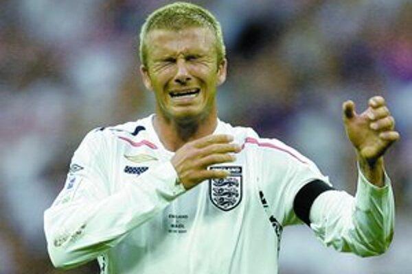Toto nie je plač po tom, čo ho Fabio Capello dočasne odstavil od reprezentácie. Takto David Beckham reagoval po zahodenom priamom kope v priateľskom súboji s Brazíliou.