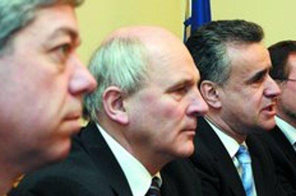 Rudolf Bauer, František Mikloško, Vladimír Palko a Pavol Minárik nesúhlasili so smerovaním KDH. Vyriešili to odchodom.