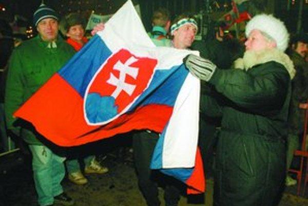 Na Nový rok 1993 vznik samostatného Slovenska sprevádzali oslavy na námestiach najväčších slovenských miest.
