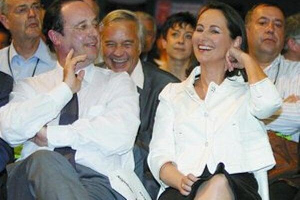 Francois Hollande v jeseni skončí na čele strany, jeho bývalá životná družka Segolene Royalová ho chce nahradiť.