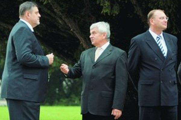 Významní ministri Jahnátek a Vážny.
