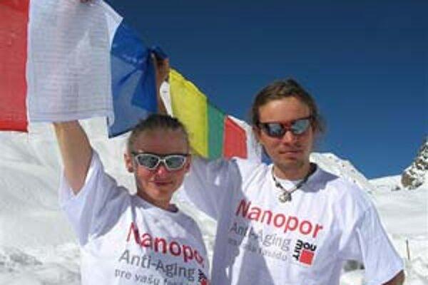 Baranowská a Kopold v základnom tábore.