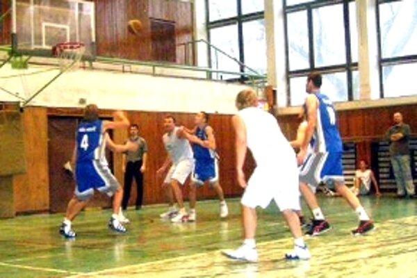 Basketbalisti MŠK Holíč hrajú v skupine o záchranu 1. ligy.