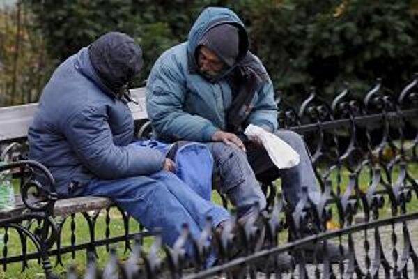 Bezdomovci nie sú výnimkou ani v mestách na Záhorí.