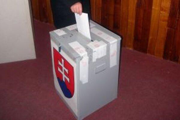 O nových primátoroch rozhodnú občania 27. novembra.