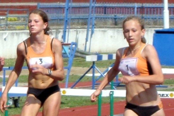 Claudia a Monika - súperky, ale aj priateľky. Na majstrovstvách zbierajú medaily ako na bežiacom páse.