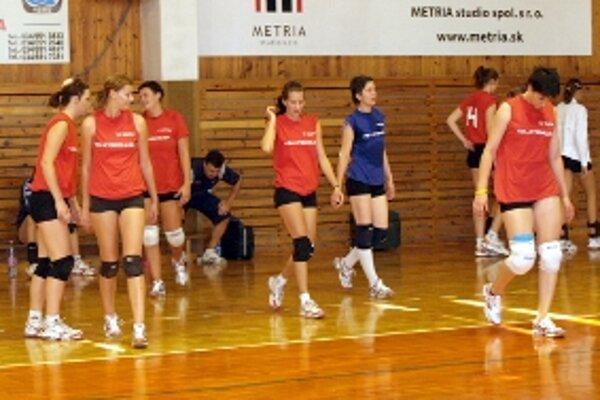 Seničanky skončili na domácom turnaji posledné.