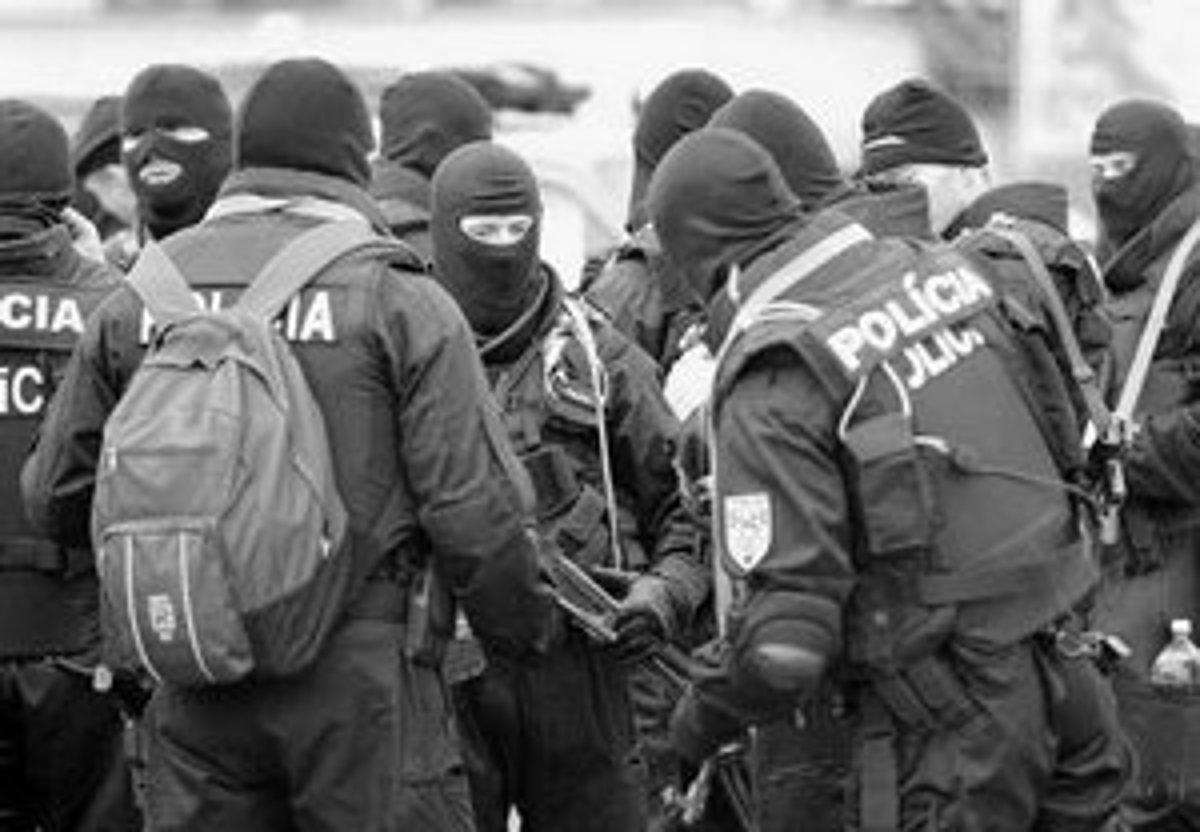 policajt zatknutie policajt nútené lesbické Mačička lízanie