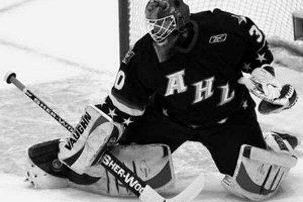 Slovenský brankár Jaroslav Halák v drese výberu hviezd American Hockey League.