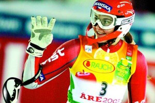 Šárka Záhrobská v slalome obhajovala bronz, domov sa vracia nečakane so zlatom.
