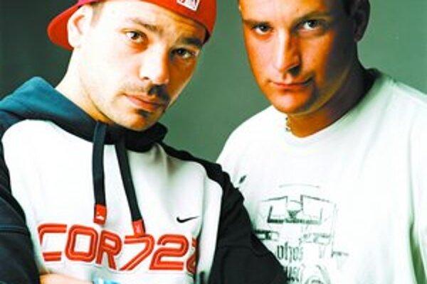 Najznámejšia hiphopová dvojica v rámci českej a slovenskej scény sú Indy a Wich.