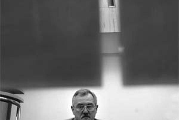 Juraj Bándy (1950) po štúdiu teológie v Bratislave a Lipsku sa v roku 1974 stal kaplánom v Pukanci, neskôr námestným farárom v Kolárove a v rokoch 1977 – 2005 pôsobil ako farár v Šamoríne. Od roku 1990 vyučuje na Evanjelickej bohosloveckej fakulte Univerz