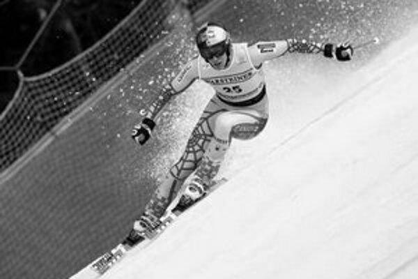 Kanaďan Erik Guay na trati sobotňajšieho víťazného zjazdu v Garmisch-Partenkirchene.