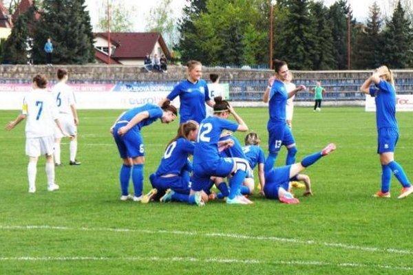 Radosť hráčok FC Union z víťazného gólu.