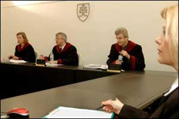 Ak poslanci schvália ďalšieho kandidáta na sudcu, krízová situácia sa skončí.