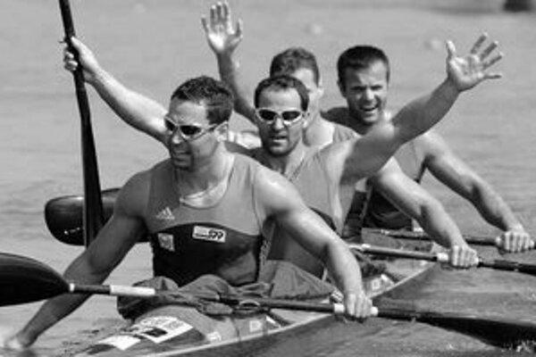 Majstri sveta na 500 m zo Szegedu 2006 – zľava: Richard Riszdorfer, Michal Riszdorfer, skrytý Erik Vlček, Róbert Erban.