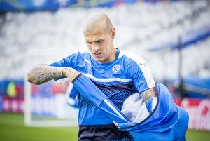 V súčasnosti vedie Škrtel slovenskú futbalovú reprezentáciu na ME vo Francúzsku v pozícii kapitána.