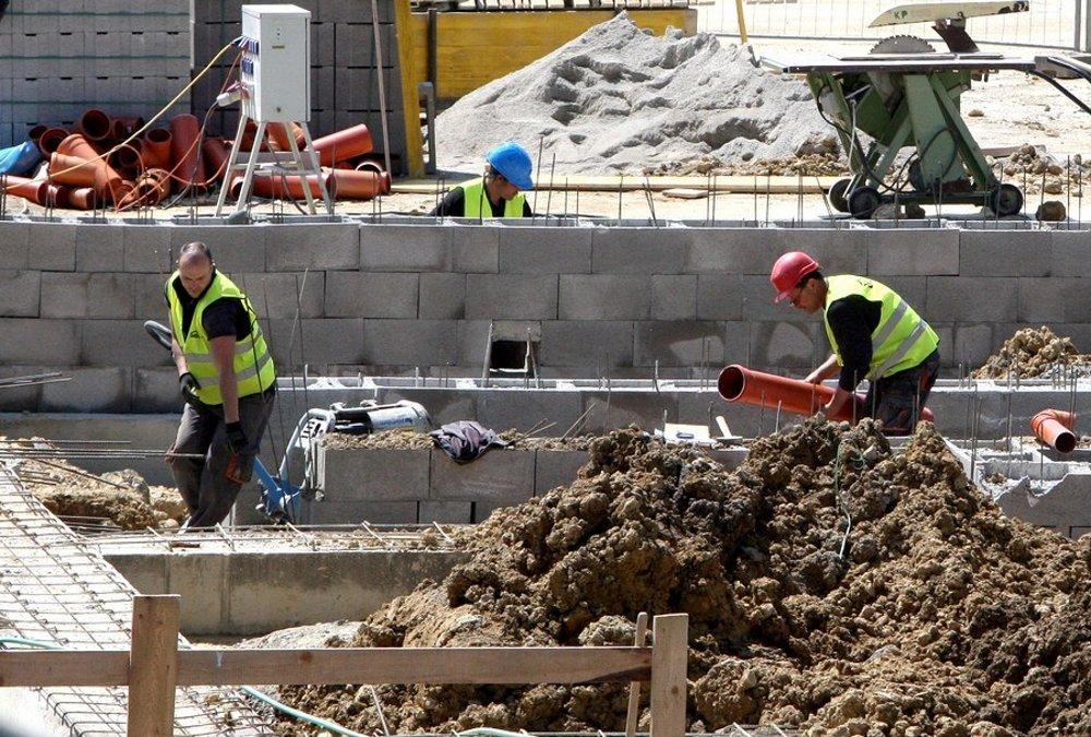 Týždňovkári chodievajú najmä do Česka, pracujú v stavebníctve.