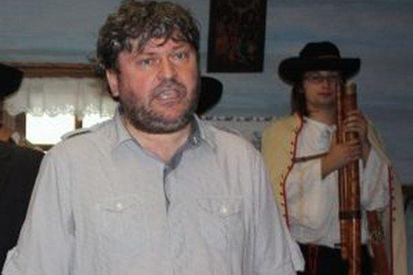 Peter Cabadaj.