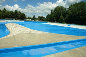 Bazén s novým náterom