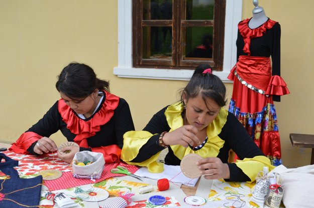 Krajčírky sa priznali, že boli mimo okres prvýkrát v živote. Foto z Múzea rómskej kultúry v Martine.