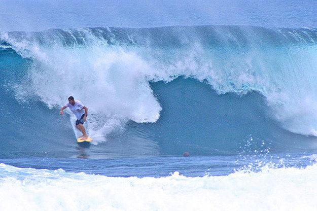 Vlny na útese Cloud 9 sú pre surferov najlepšie na Filipínach.