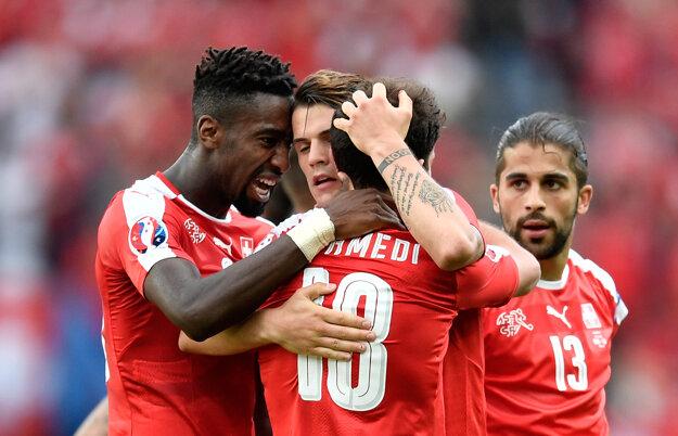Švajčiari sú blízko k postupu do osemfinále.