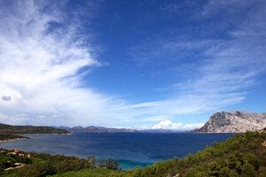 Sardínia alebo Korzika? Ktorý ostrov si vybrať?